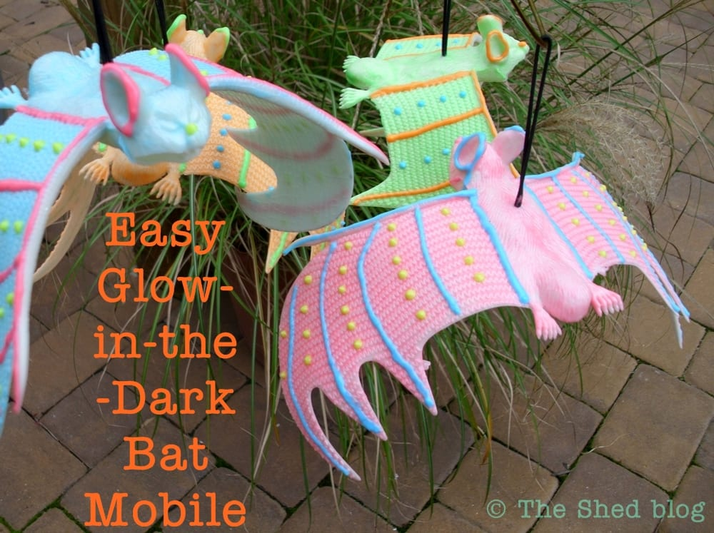 Easy Glow-in-the-Dark Bat Mobile -- a fun Halloween kid's craft!