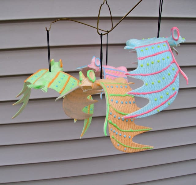 Easy-Glow-in-the-Dark-Bat-Mobile-from-The-Shed-blog #ilovetocraft