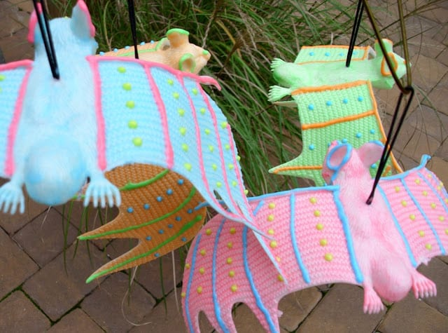 Colorful-Glow-in-the-Dark-Bats #ilovetocraft