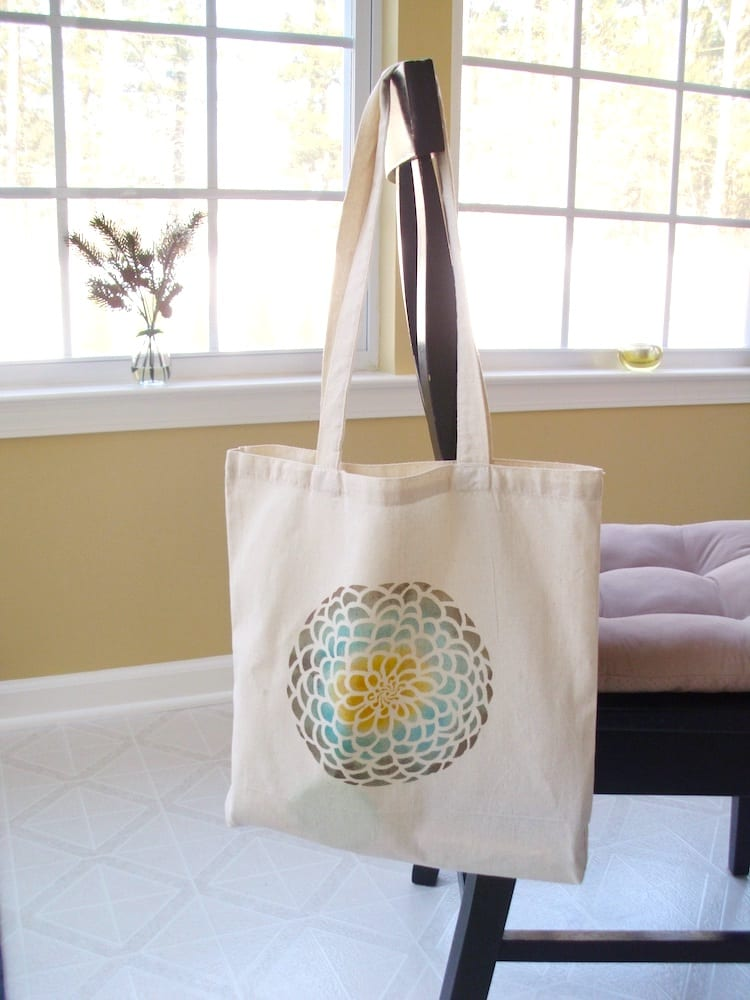 stencil a tote bag tutorial