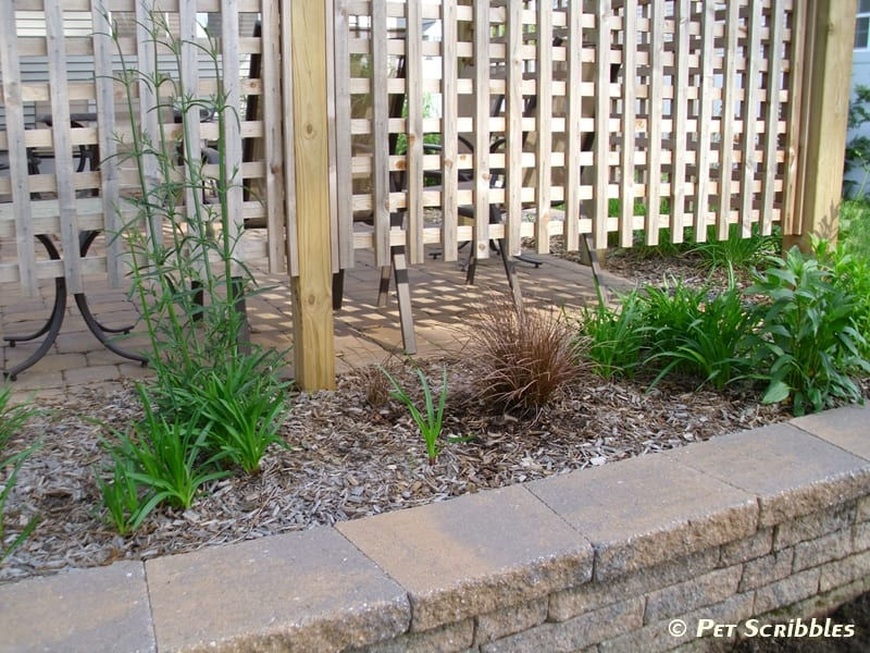 This Patio Retaining Wall Faces The Raised Garden Bed, And The Stones Of  Each Match Pretty Well.