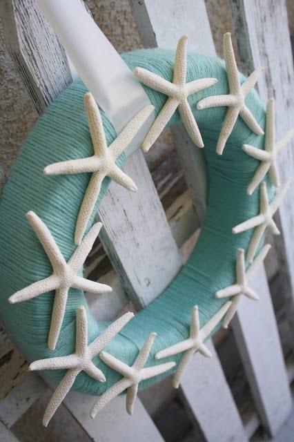Starfish Yarn Wreath | A Diamond in the Stuff, Crafts Unleashed