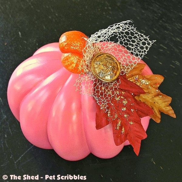 Pretty Pink Pumpkin DIY: a little shabby, retro, vintage and glam all mixed together!