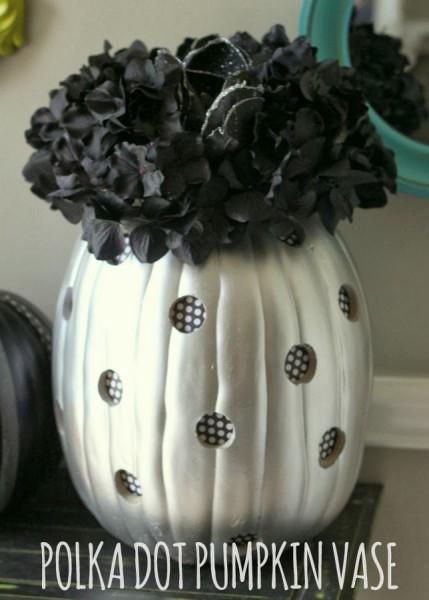 Polka Dot Pumpkin Vase DIY | Lil' Luna