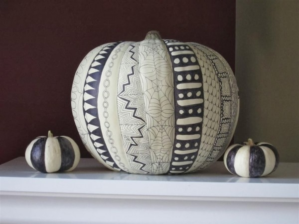 Zentangle Pumpkin DIY | Chica and Jo