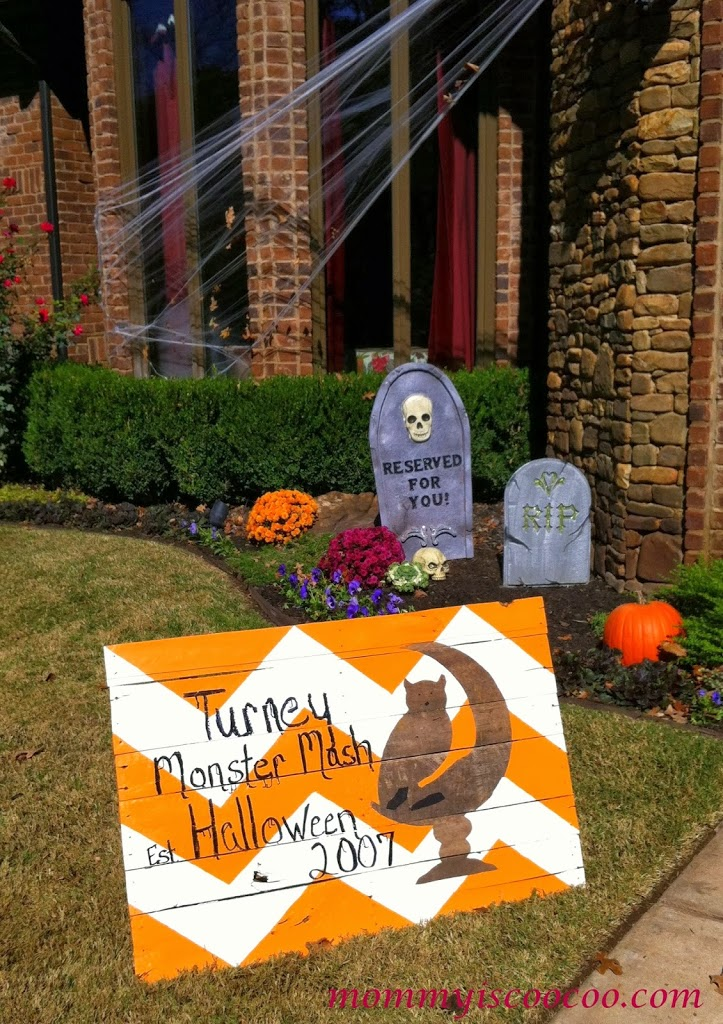 diy halloween chevron pallet sign by mommy is coocoo