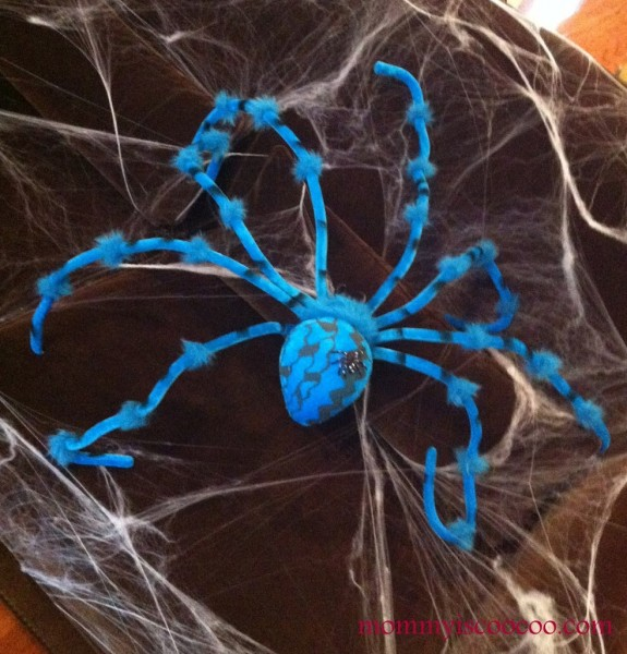 Spooky decorating ideas for Halloween from Mommy is Coocoo