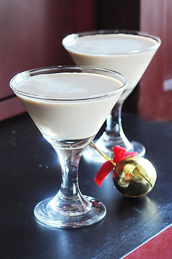 Godiva Chocolate Martini Recipe by Dine and Dish