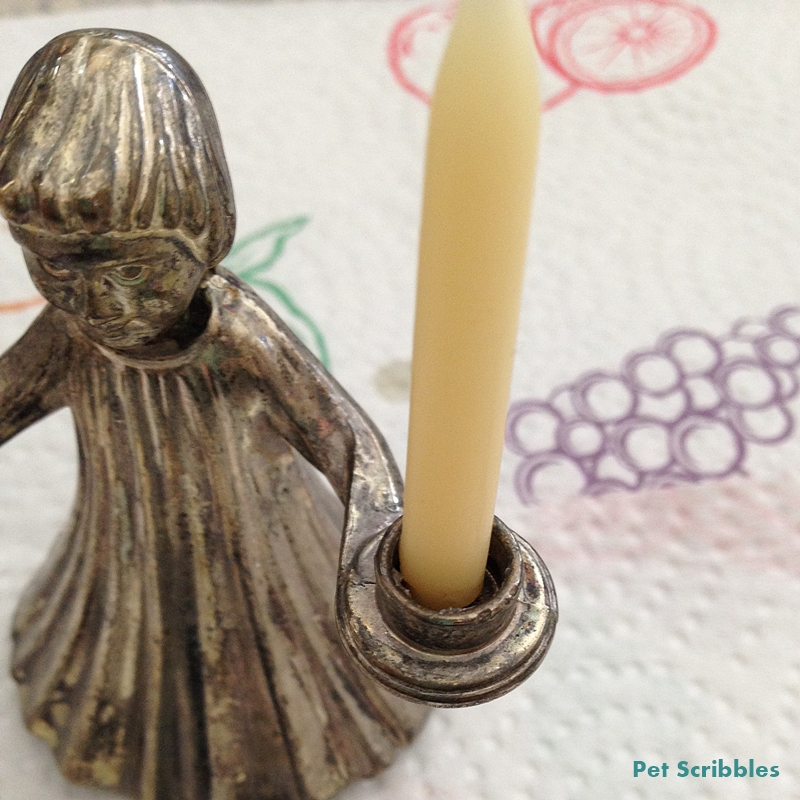 How to secure candles into candle holders: an easy trick!