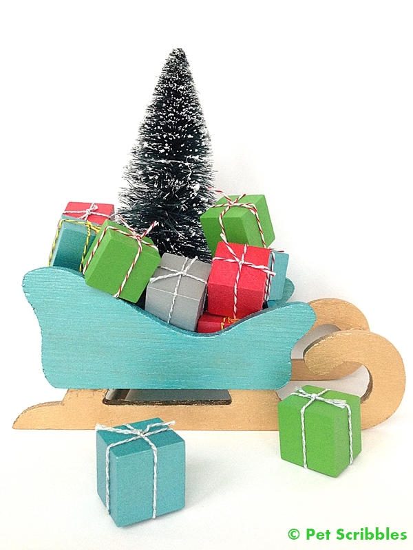 DIY Miniature Christmas Presents to fill up a decorative sleigh!