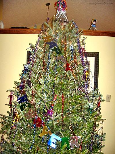 DIY New Year's Tree by Balancing Beauty & Bedlam