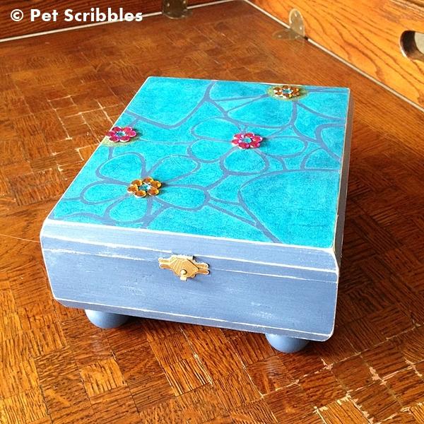 Altered Cigar Box: An empty cigar box turned into a little girl's treasure box!
