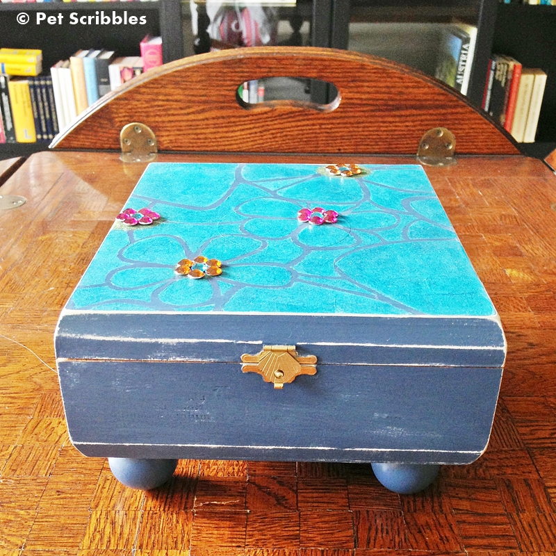Altered Cigar Box DIY: An old cigar box is upcycled into a little girl's treasure box!