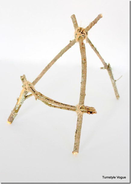 DIY Miniature Hand-Tied Stick Easels by Turnstyle Vogue