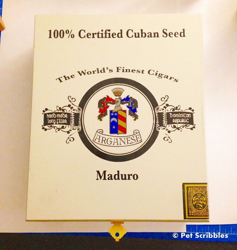 Old and used cigar boxes are perfect to craft with!