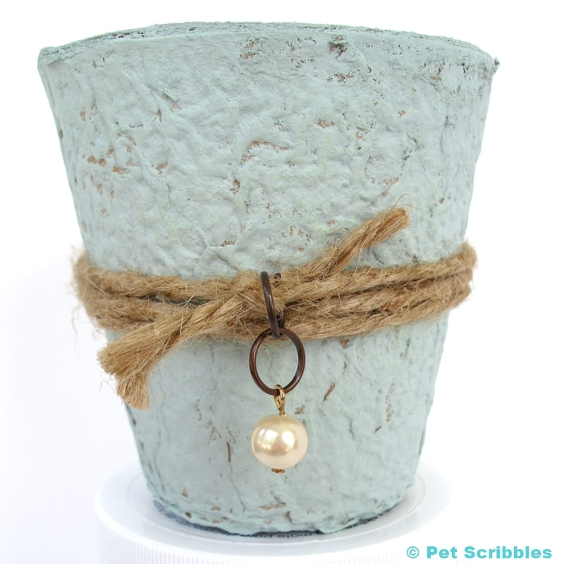 Vintage-style peat pot wedding favor