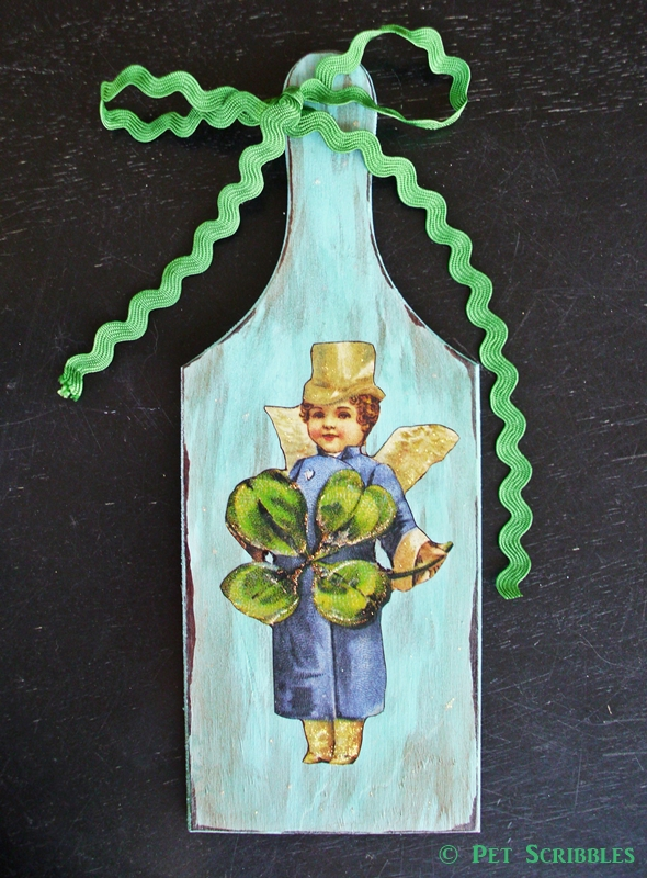 DIY Leprechaun Fairy Plaque - this can be made in just one afternoon! Easy tutorial!