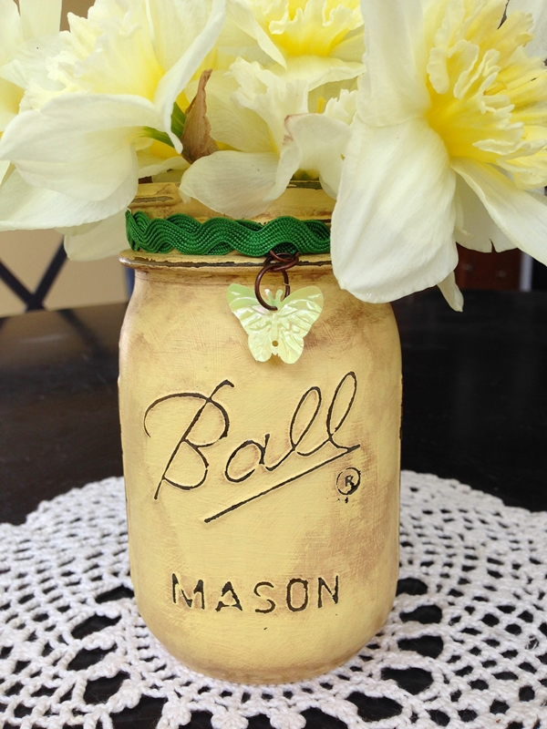 Distressed Mason Jar Vase