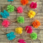 Make a Pom-Pom Garland: easy DIY using a kitchen fork!
