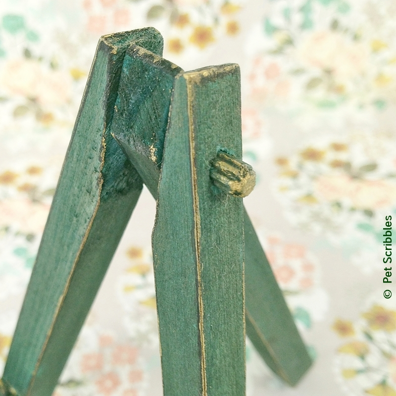 Mini Wood Easels: Dyed and Distressed