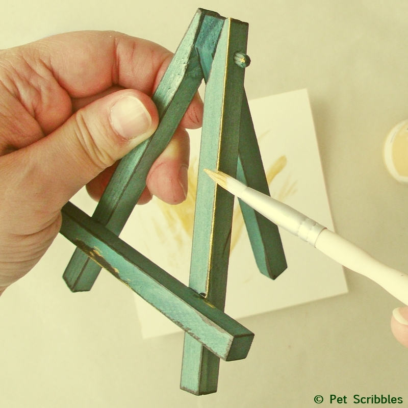 Mini Easels: adding metallic paint to the edges after dying green