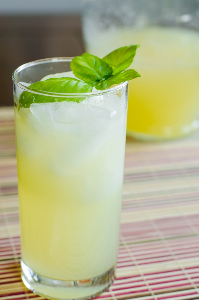 Sparkling Italian Lemonade recipe (non-alcoholic) | Seeded at the Table