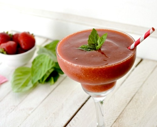 Refreshing Strawberry Basil Margarita recipe | Stagetecture