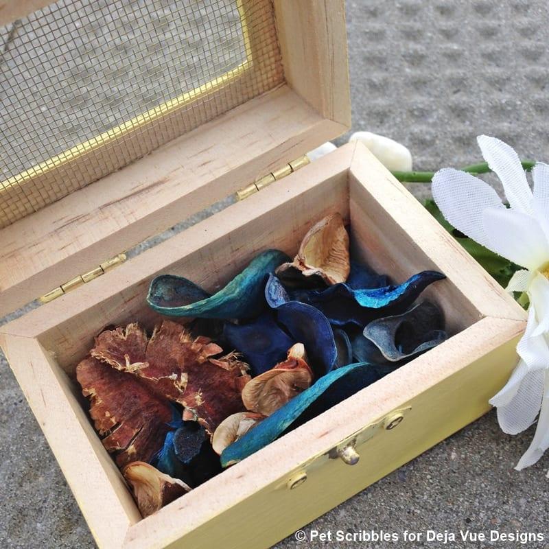 wood box wedding favor with potpourri