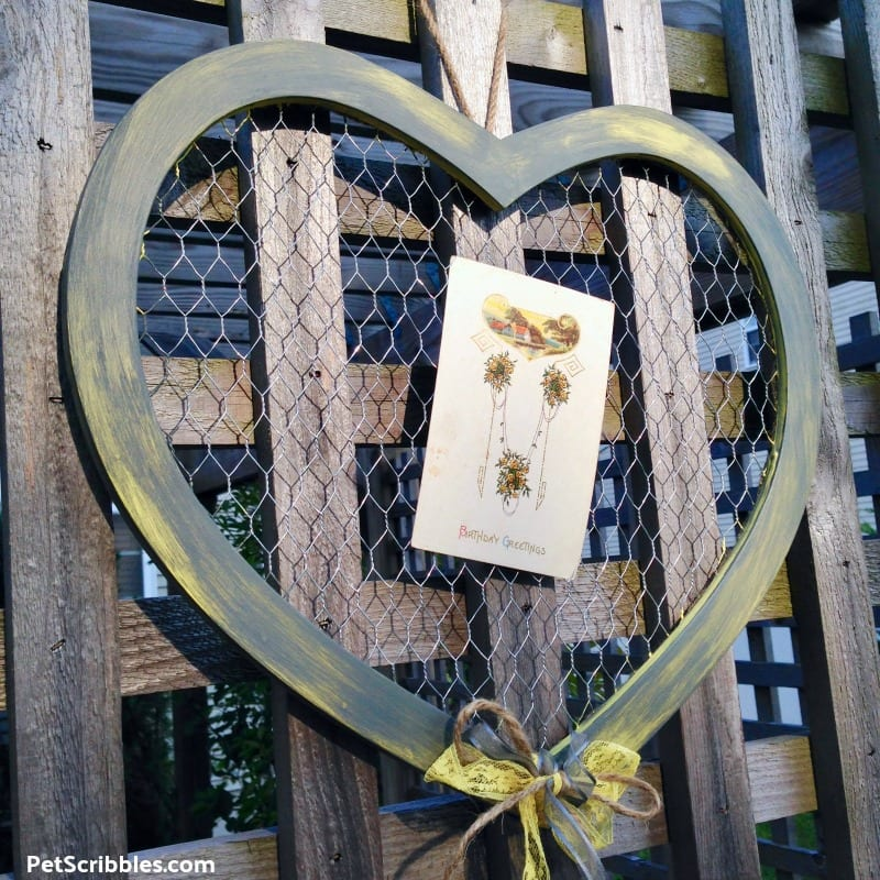 farmhouse rustic chicken wire heart