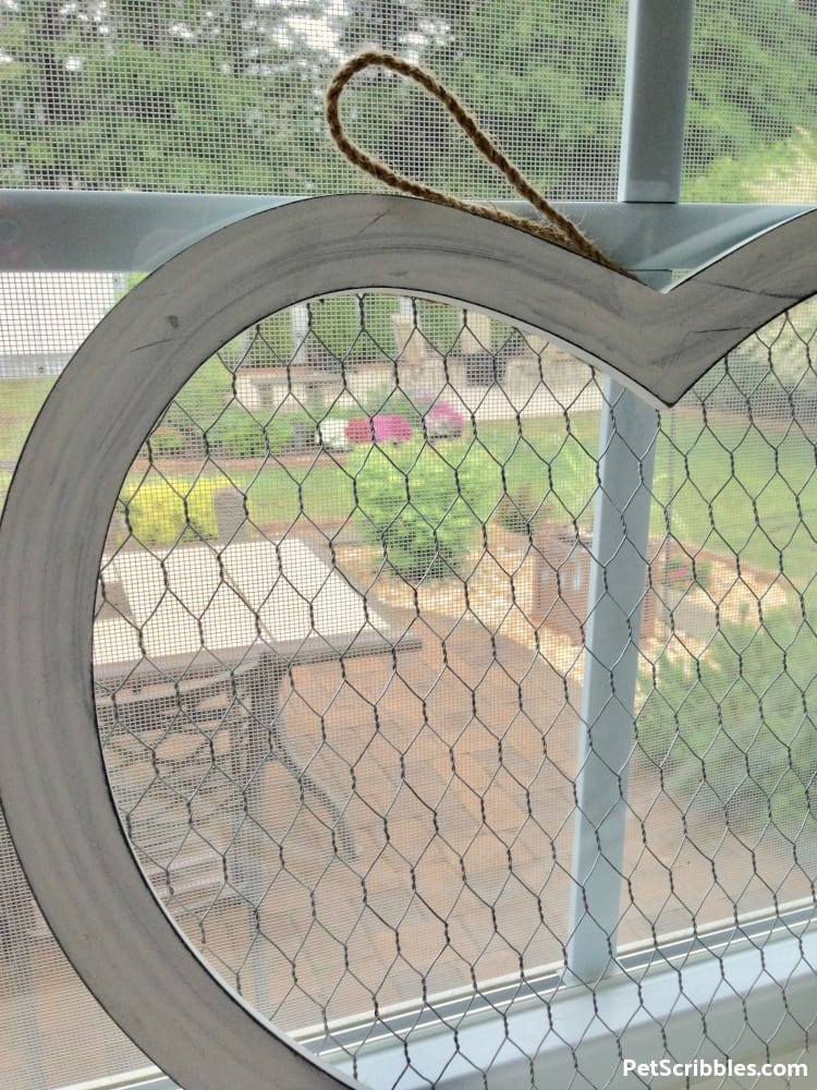 rustic chicken wire heart detail