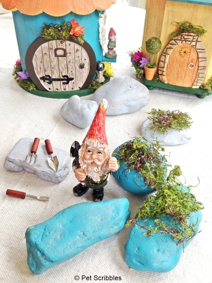 DIY Painted Fairy Garden Rocks