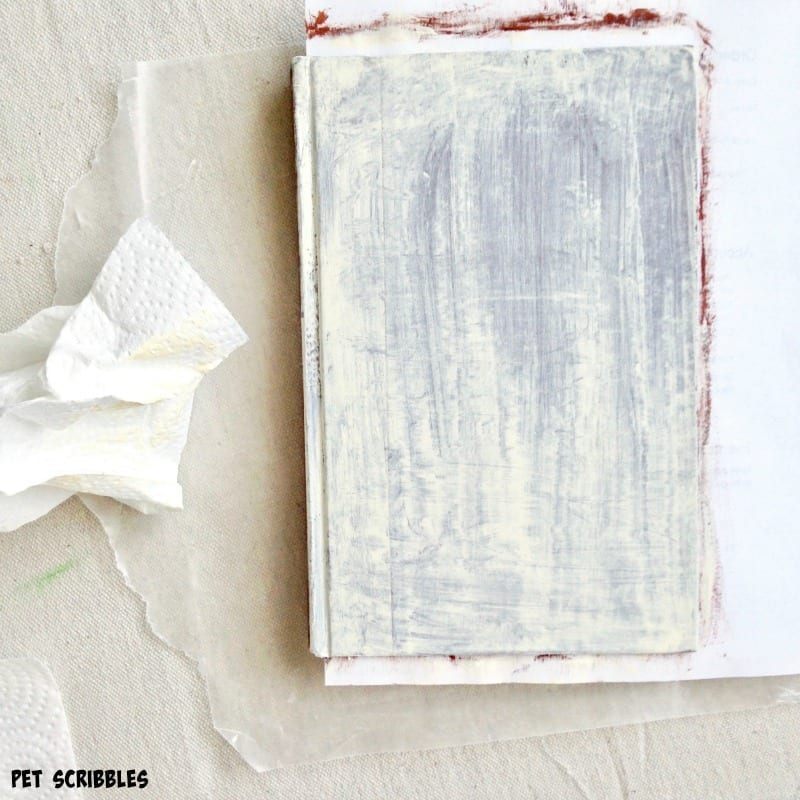 shabby painted books DIY