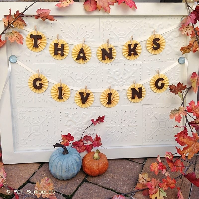 Simple and Elegant Thanksgiving Garland