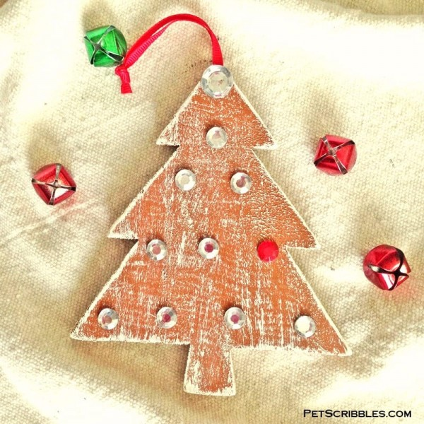 DIY Ornaments for Outdoor Trees