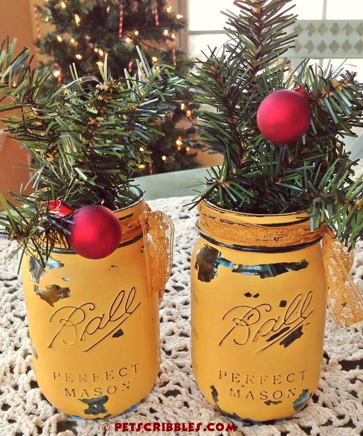 Quick Holiday Mason Jar decoration