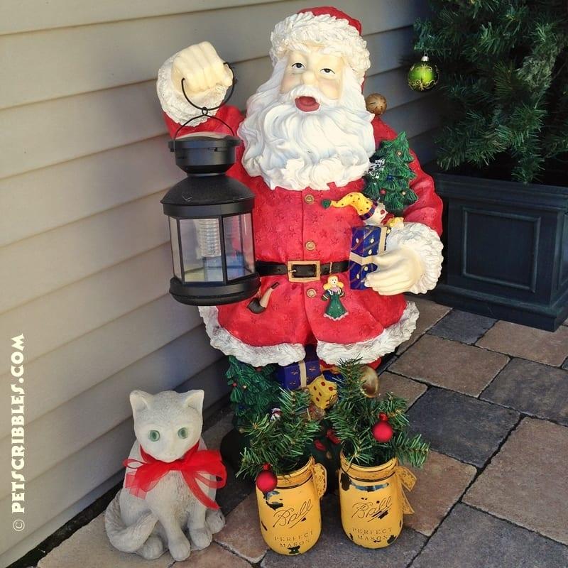 use mason jars as Christmas lanterns outside