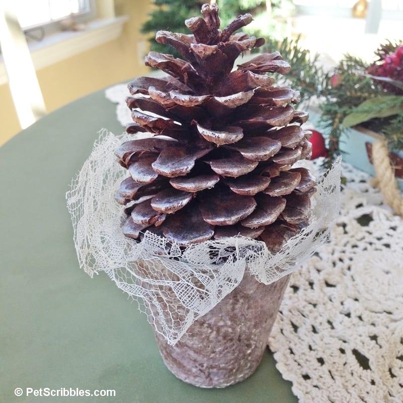 Shabby Pinecone Tree