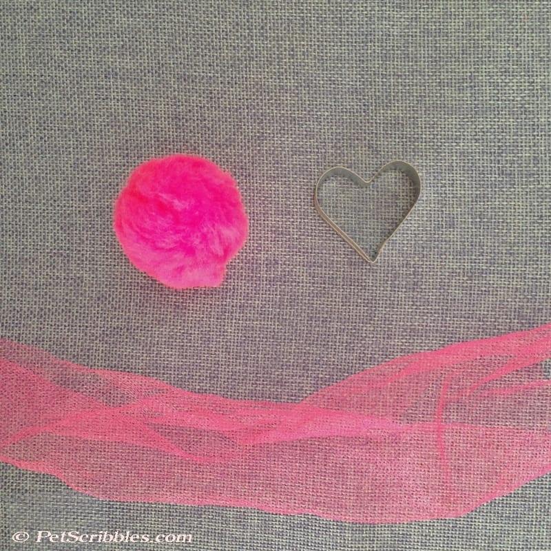 pom pom plus mini cookie cutter heart