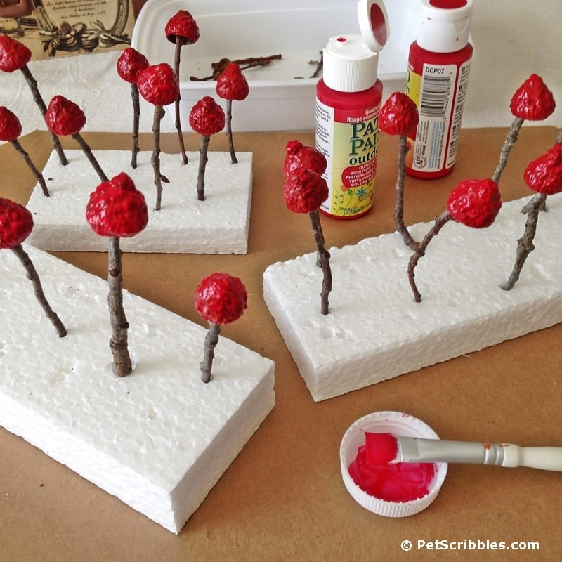 DIY fairy garden red mushrooms