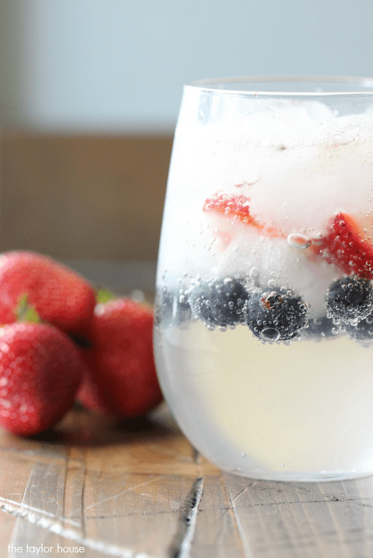 Strawberry Blueberry Limeade | The Taylor House