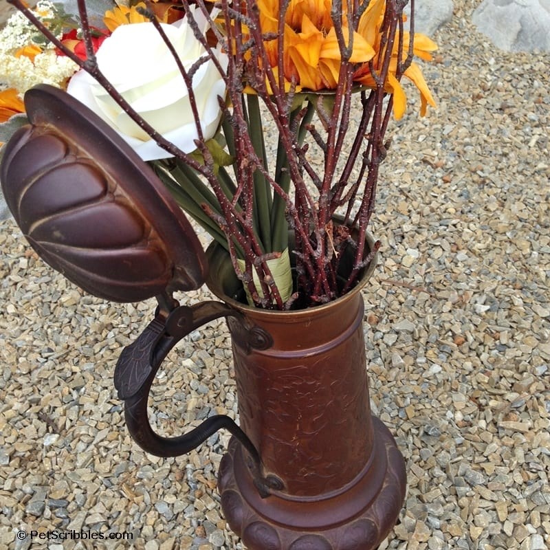 Rusty beer stein plus faux flowers equals Fall!