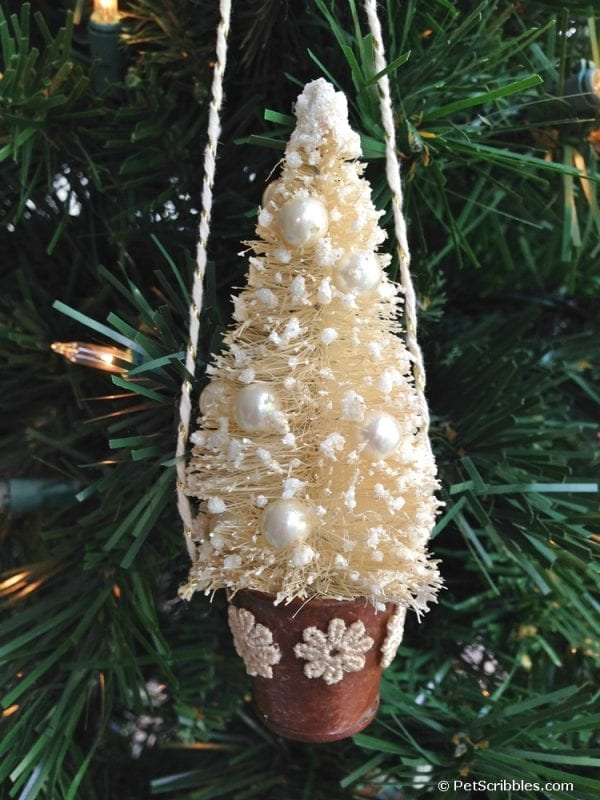 DIY rustic bottle brush ornament to make