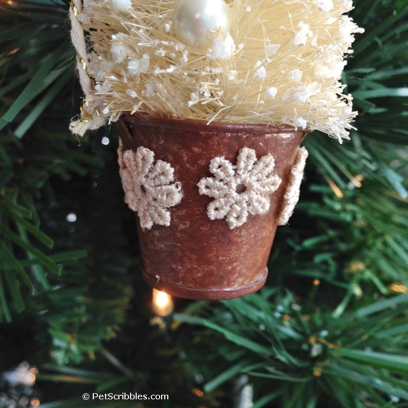 How to make a beautiful bottle brush tree ornament!