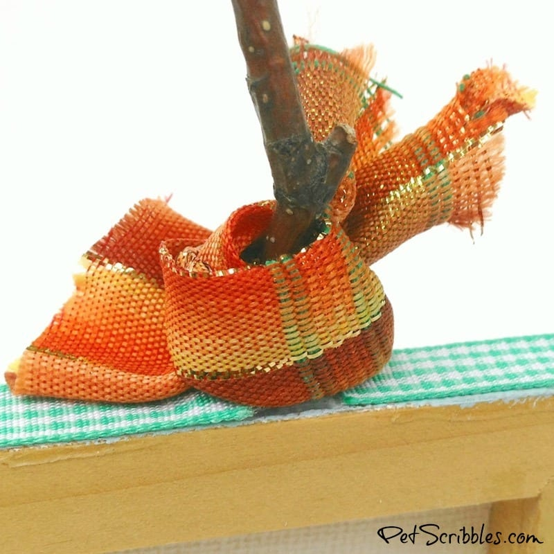Acorn Craft - make a miniature canvas pumpkin with help from nature!