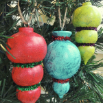 How to: Sparkling Painted Christmas Tree Ornaments