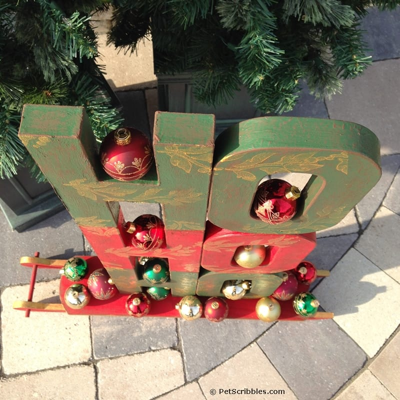 HO! HO! HO! A Festive Christmas Sled Display