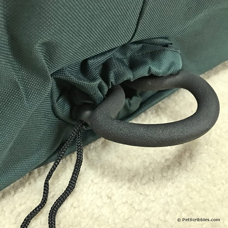 Love the built-in wreath hanger in the Tree Classics' storage bags.