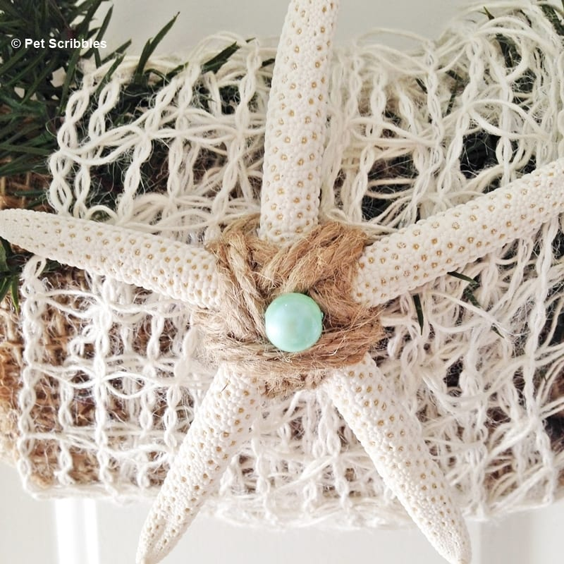 use a starfish in your coastal wreath