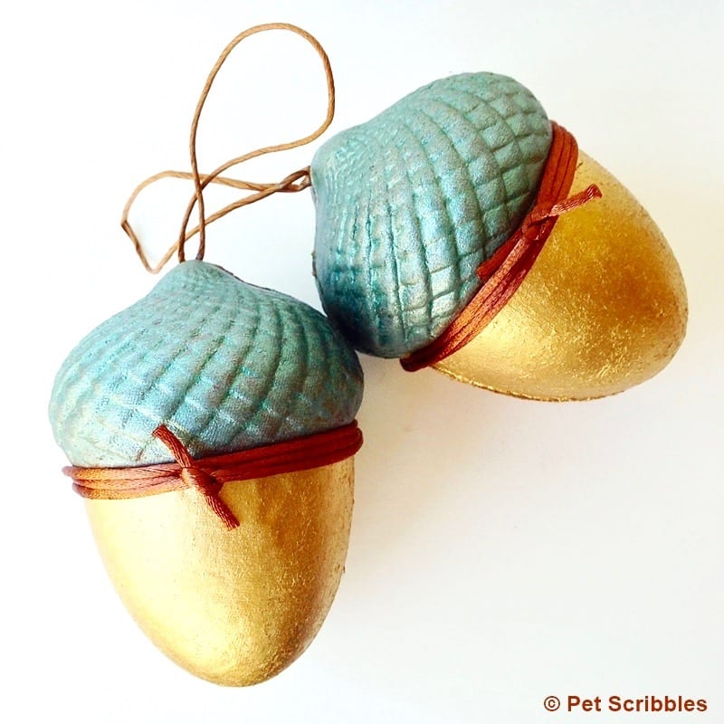 Paper maché acorn boxes, painted and gilded -- DIY by Pet Scribbles