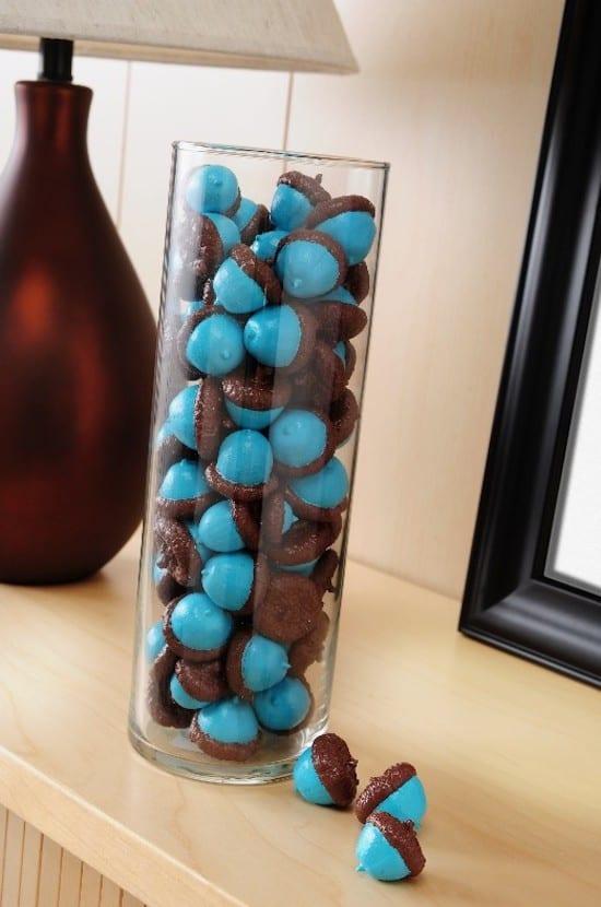 Painted Acorns DIY by Mod Podge Rocks